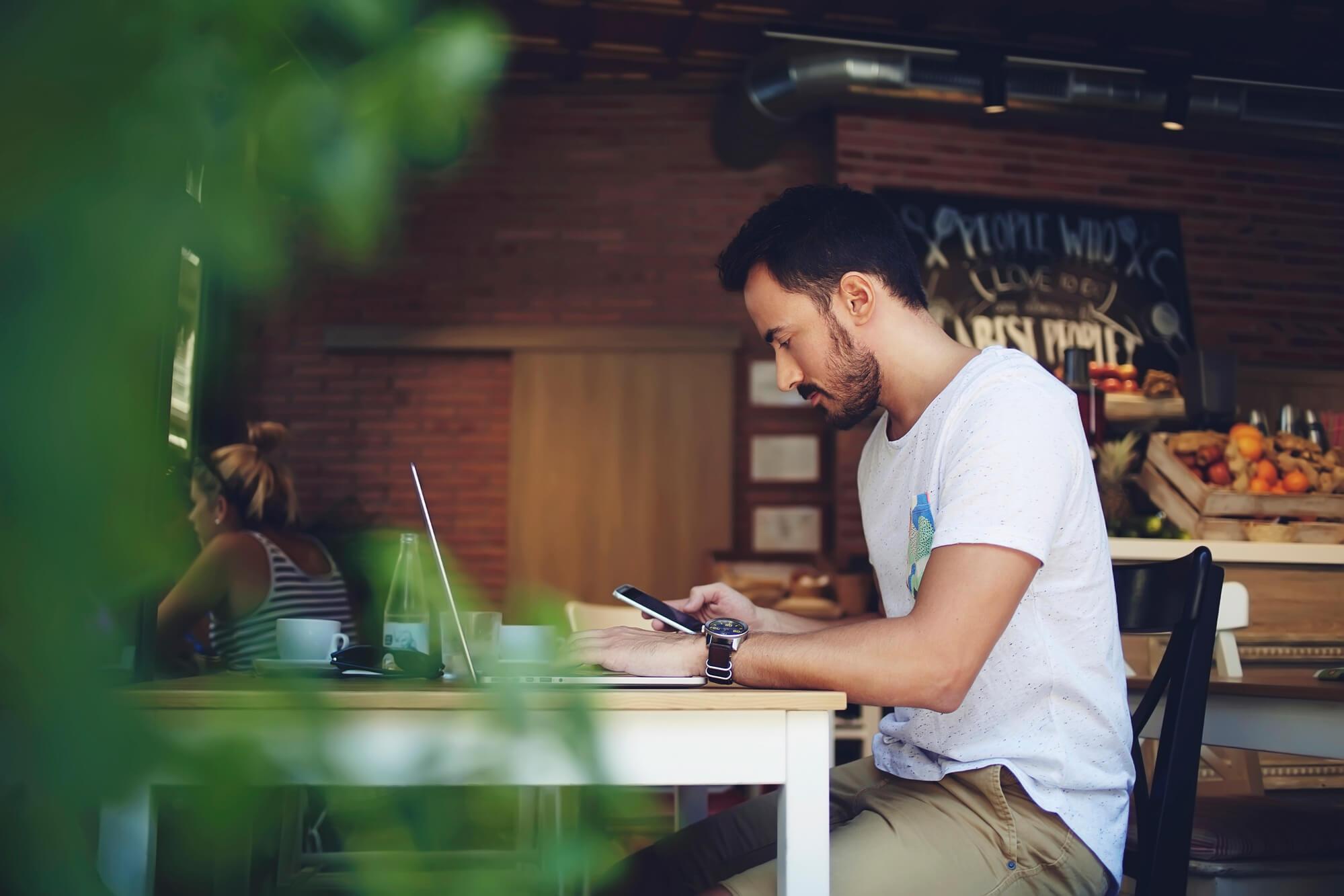 conheca-5-solucoes-em-sms-para-fidelizar-mais-clientes.jpg